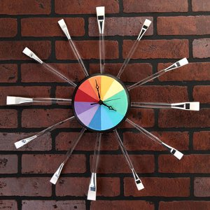 http://www.favequilts.com/master_images/FaveCrafts/Artsy-Rainbow-Clock.jpg