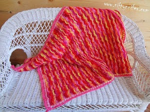http://www.favequilts.com/master_images/FaveCrafts/charming-baby-blanket2.JPG
