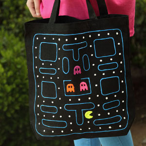 http://www.favequilts.com/master_images/FaveCraftsEBooks/national-craft-month-2014/Pac-Man-DIY-Tote-Bag.jpg