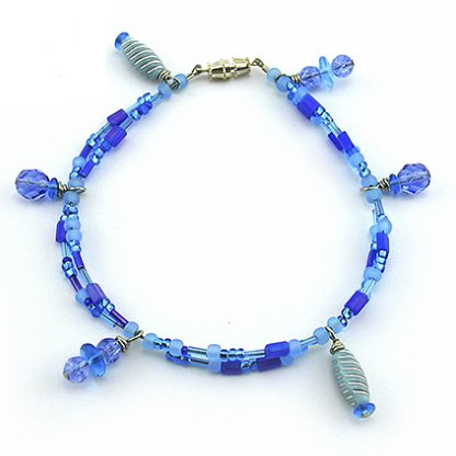 http://www.favequilts.com/master_images/Jewelry-Making/ocean-mist-anklet.jpg